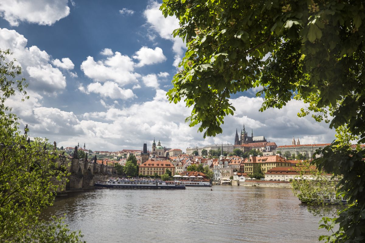 Prague Castle & Canal River Boat Tour (3 hours) in English 21.02.2019